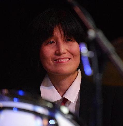 Satomi during Take Five show